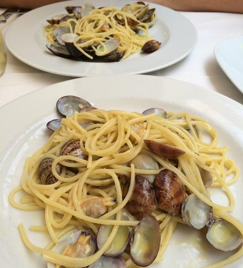 spaghetti alle vongole - Rome
