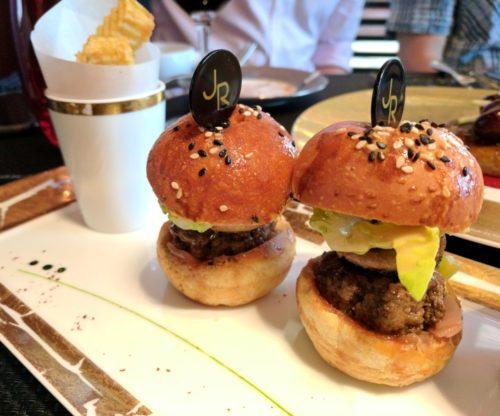 Atelier Joel Robuchon Paris - le burger